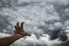 Nuvens de tempestade escuras sinistras Tempo e clima do hange do ¡ de Ð fotografia de stock