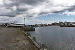 Nuvens de tempestade no porto 3110 imagem de stock royalty free