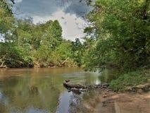 Nuvens de tempestade sobre Dan River em North Carolina Imagens de Stock