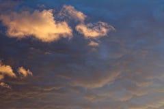 Nuvens destacadas Imagem de Stock
