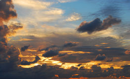 Nuvens do por do sol Fotos de Stock