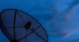 Nuvens do por do sol da antena parabólica Fotografia de Stock