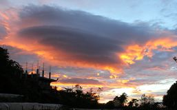 Nuvens douradas Fotos de Stock Royalty Free