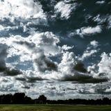 Nuvens e céu imagem de stock