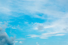 Nuvens e céu azul Fotografia de Stock Royalty Free