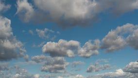 Nuvens e céu do lapso de tempo video estoque