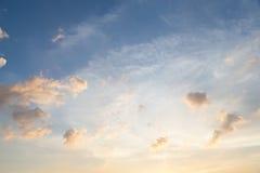 Nuvens e céu na noite foto de stock royalty free