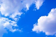 Nuvens e fundo 171019 0188 do céu azul Fotos de Stock Royalty Free