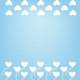 Nuvens e grama na forma de um fundo romântico do coração Fotografia de Stock Royalty Free