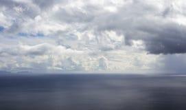 Nuvens e oceano de Madeira Foto de Stock Royalty Free