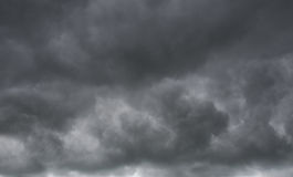 Nuvens escuras Imagens de Stock Royalty Free