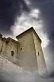 Nuvens escuras sobre a torre Imagem de Stock Royalty Free