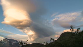 Nuvens fantásticas do lapso de tempo vídeos de arquivo