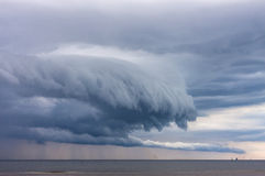 Nuvens incríveis, monstruosos Fotos de Stock