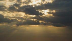 Nuvens moventes rápidas video estoque