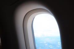 Nuvens no aircraft& x27; vigia de s Fotografia de Stock Royalty Free