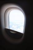 Nuvens no aircraft& x27; vigia de s Fotografia de Stock