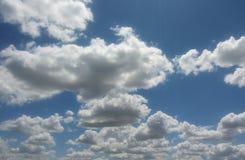 Nuvens no céu Imagens de Stock Royalty Free