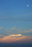 Nuvens no tempo do por do sol em Maldives Imagem de Stock