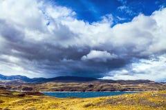 Nuvens pretas assustadores Foto de Stock Royalty Free