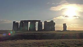 Nuvens que movem-se sobre Stonehenge, Wiltshire Inglaterra video estoque