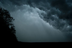 Nuvens sinistras. Fotos de Stock Royalty Free