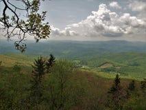 Nuvens sobre Grayson Highlands State Park imagens de stock royalty free