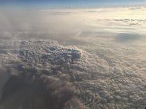 Nuvens sobre Itália do norte fotos de stock