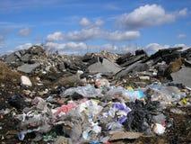 Nuvens sobre o lixo Imagens de Stock