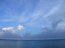 Nuvens sobre o mar Fotos de Stock Royalty Free