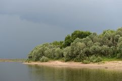 Nuvens sobre o rio Oka Foto de Stock Royalty Free