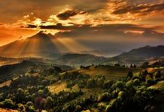 Nuvens sobre o vale Fotografia de Stock Royalty Free