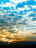 Nuvens sombreadas Fotografia de Stock