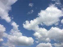 Nuvens sonhadoras fotografia de stock