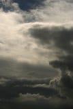 Nuvens temperamentais Fotografia de Stock