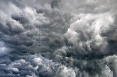 Nuvens tormentosos pretas Fotos de Stock