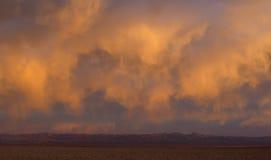 Nuvens vermelhas dramáticas Imagens de Stock