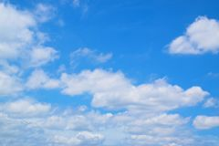 Nuvola blu del fondo nel cielo fotografia stock libera da diritti