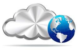 Nuvola d'argento con il globo della terra - computazione della nuvola Immagine Stock Libera da Diritti