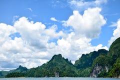 Nuvola del cielo delle montagne del lago, paesaggio Immagini Stock Libere da Diritti