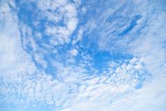 Nuvola di vortice del cielo blu Immagini Stock