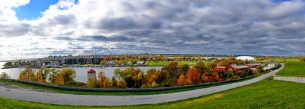 Nuvola e lago fotografie stock libere da diritti