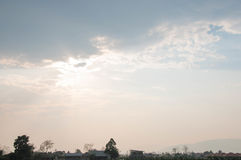 Nuvola e luce solare Fotografie Stock