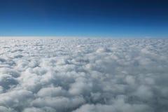 Nuvola ed orizzonte Immagini Stock