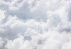 Nuvola grigia del primo piano sul cielo Immagini Stock Libere da Diritti