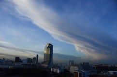Nuvola lunga immagine stock