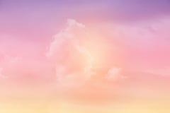 Nuvola molle di fantasia con colore pastello di pendenza fotografia stock