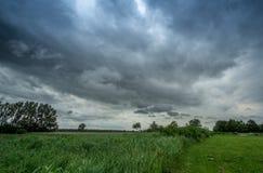 Nuvola temporalesca scura Fotografie Stock Libere da Diritti