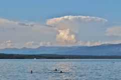 Nuvola temporalesca sopra la baia di Soline su Krk Fotografia Stock Libera da Diritti