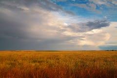 Nuvole attraverso le pianure Immagini Stock Libere da Diritti